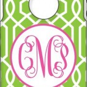 Otterbox Apple Green Trellis Fuschia Open Circle Vine Monogram