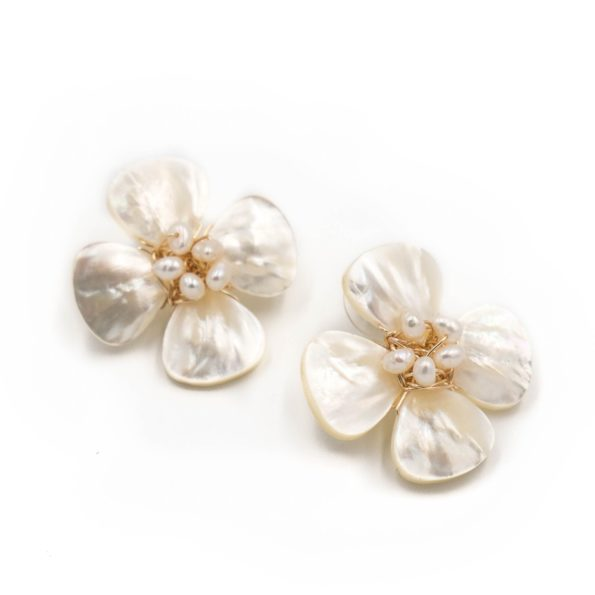 Poppy Earrings Pearl - Hazen & Co.